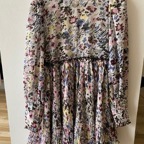 Ganni kjole eller nederdel