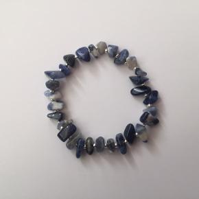 Sodalite naturstens armbånd fra Klia Jewellery ❤️  Kan også købes med fragt fra 10 kr på kliajewellery.dk, hvor du også kan shoppe udsalg, bruge rabatkoder mm.