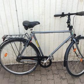 Rigtigt lækker cykle fejler intet udover sædet er lidt løs skal bare spændes   Alt virker