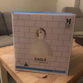 Eagle design by Marksløjd lampe sælges. Sort. Købt for 500kr. Aldrig brugt. Diameter: 22 cm