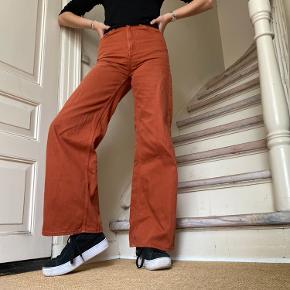 Weekday ACE bukser i størrelsen 24/32 🌞