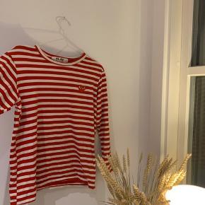 Fed Cdg trøje, bliver solgt fordi den er for stor, skriv for mere info, og BYD