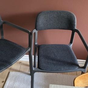 Ikea ypperlig stole med armlæn og polstrede, mørkegrå, 2 stk, aldrigt brugt.  Nypris ca 500 stk