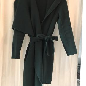 100% uld frakke i den lækreste kvalitet fra 2ndday.   Prisen kan forhandles  Køber betaler porto og gebyr