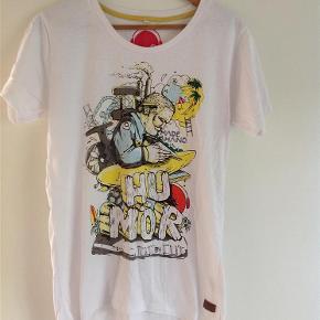 T-shirt Farve: Hvid Oprindelig købspris: 300 kr.