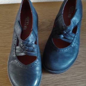 Sort lækker kvalitets sko, god comfort  + Fragt