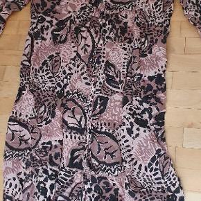 Skøn lang kjole