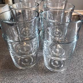 Sælger disse 12 intakte glas fra Eva Solo, de er kun vasket op i hånden og fremstår som helt nye :-) Skal hentes hurtigst muligt.