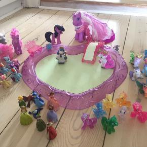 Masser af fine ponyer og figurer :)