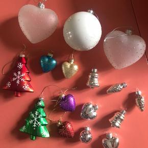Lidt forskelligt julepynt / julefugler  Sælges kun samlet