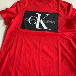 Spritny Calvin Klein - er desværre købt for lille 😔 Kom med et nu - jeg har også en i sort