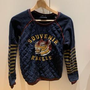 Mørke blå sweater Mærke: Scotch & Sodas/Scotch R'Belle Størrelse: 16 år (lille i størrelsen) Stand: i fin stand røgfrit hjem BYD!!!!!