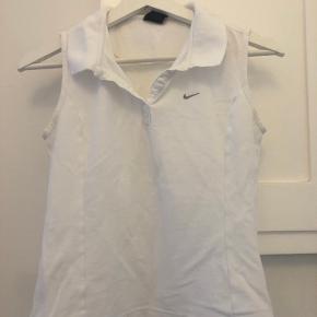 Old School Nike trøje i rigtig god stand!