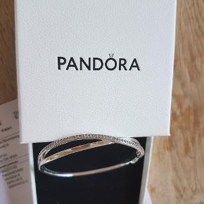 Pandora armbånd med sten  17,5cm  Nyt i æske