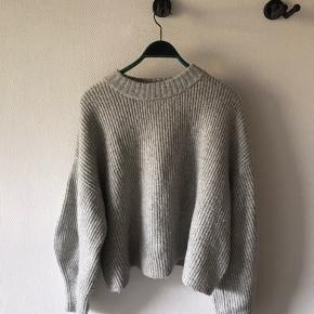 Super lækker og tyk sweater fra h&m. Varm og blød, str Xl  #30dayssellout