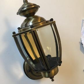 Ny udendørs lampe sælges. Ses og købes i Kolding :)