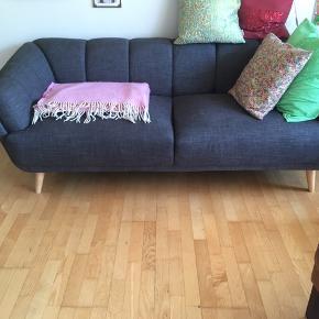 Dejlig grå stof sofa.