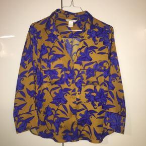 Mønstret skjorte fra H&M i str 36