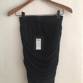 Flot draperet nederdel