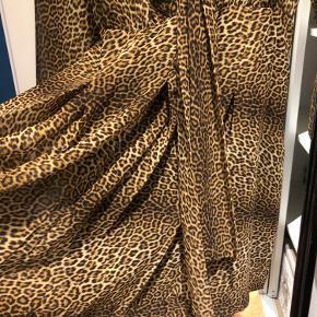 Smart kjole/tunika fra zara ( brugt en enkelt gang )  Køber betaler fragt
