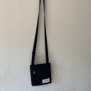 Calvin Klein messenger bag  One size?