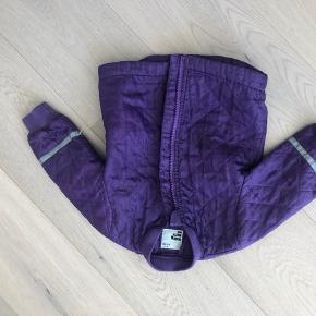 Rigtig fin Termo jakke i god stand sælges billigt. Str. 80