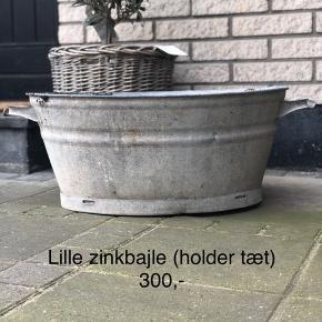 Gl lille zink balje (lille)   300,-