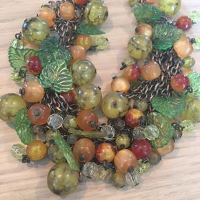 De små frugter og blade er af glas. Kan justeres i størrelsen.