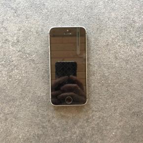 IPhone 5s Virker, men kan ikke tilslutte mobilnetværk. Små ridser rundt i kanten som på det sidste billede