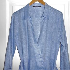 Kjole i flot farve fra Zara 100% linen Brystmål 96 cm Længde 118 cm Aldrig brugt!
