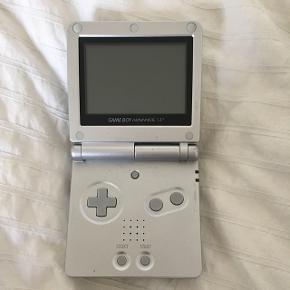Nintendo gameboy. Oplader medfølger IKKE.