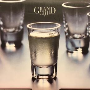Rosendahl Grand Cru Snapseglas 4 cl 6 stk. Ubrugte. Stadig i emballage.  Har mere Rosendahl ved interesse. Også nyt.