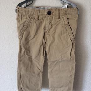 H&M - chinno bukser Str. 86 Næsten som ny Farve: sand Køber betaler Porto!  >ER ÅBEN FOR BUD<  •Se også mine andre annoncer•  BYTTER IKKE!