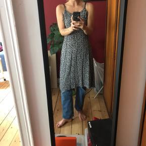 Skøn kjole fra Uniqlo🧡 Fungerer også perfekt med en langærmet indenunder 🍂 Og så er den vildt komfortabel at have på!