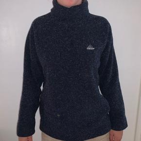 Vintage oversized sweater fra Adidas