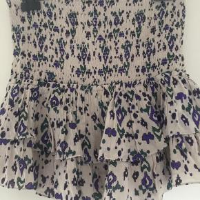 Helt ny nederdel med stylenavn Frinley. Købt ved Isabel Marant egen hjemmeside til 1500,- Køber betaler fragt. Se venligst mine andre annoncer🌺