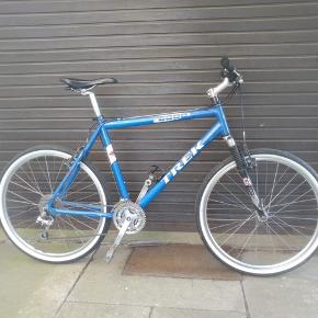 Trek 6000, city bike, 21 inch, 24 gear Draw 6000, 21 inches, with 24 gears, a vintage model kept in excellent condition.  Rockshox system at the front wheel. Smooth in changing gears and excellent brakes. Served with lock and keys.