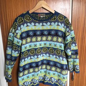 Lipo Lipo sweater