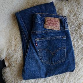 Vintage Levis 501 i flot blå farve. Størrelse 30 - 32