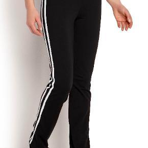Helt nye og stadig med tags, bukser fra Cellbes str 50/52.  Stretchy bomuldsjersey. Elastisk linning med skjult lomme. 92% bomuld, 8% elastan. Vask 40°.
