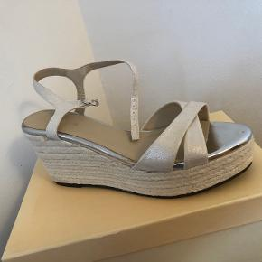 Lilly heels