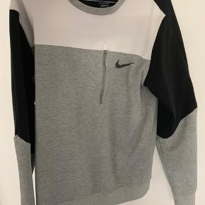 Nike sweater str S