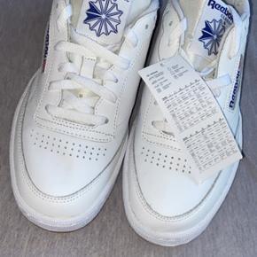 Helt nye Reebok sko, aldrig brugt.