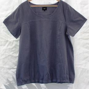 Dejlig tunika fra Zizzi i ren bomuld - sælges da den ikke passer mig. Har været ikke været brugt - kun vasket på 30 gr.
