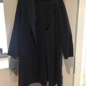 God overgangsjakke fra HM med lommer ✨Fitter  både M/L/XL alt efter hvor oversize man ønsker