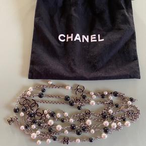 Smukkeste Chanel halskæde.   Købt på Vestiaire Collective, kvittering derfra medfølger