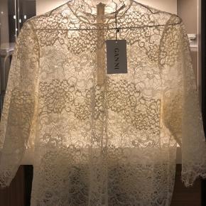Flot ny blonde bluse fra ganni str l ny pris 999-,