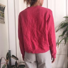 Flot sweater med 100% uld