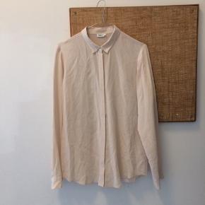 Filippa k silkeskjorte str m, lille. I fin stand