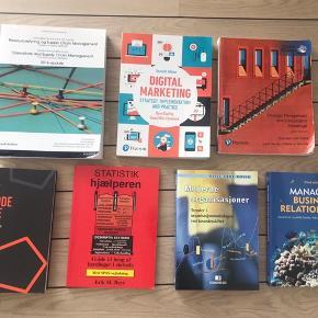 DRIFTSØKONOMI:  RESSOURCESTYRING OG SUPPLY CHAIN CUSTOM BOOK ISBN: 9781784491383  MARKETING OG SOCIALE MEDIER: DIGITAL MARKETING 7/ED 2019 ISBN: 9781292241579  STRATEGI: STRATEGIC MANAGEMENT AND COMPETITIVE ADVANTAGE  MODERNE ORGANISASJONER ISBN: 9788276743159  MANAGING BUSINESS RELATIONSHIPS  ISBN: 9780470721094  STATESTIK HJÆLPEREN MED SPSS VEJLEDNING   DEN GODE OPGAVE - 4. Udgave   Kom gerne med en pris